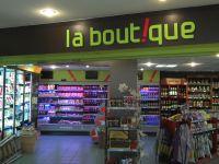 Enseigne lettres individuelles peintes Autogrill La Boutique Vinassan