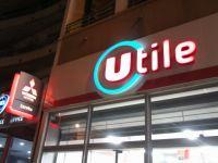 Enseigne lettres boitiers plexiglas lumineuse magasins Utile Nice