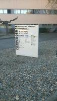 Mini totem parking aluminium laqué et décors en adhésif, lettres découpéesAvignon